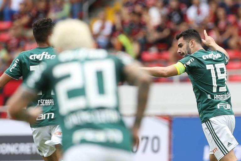 Bruno Henrique comemora gol do Palmeiras contra a Liga Deportiva Alajuelense, da Costa Rica