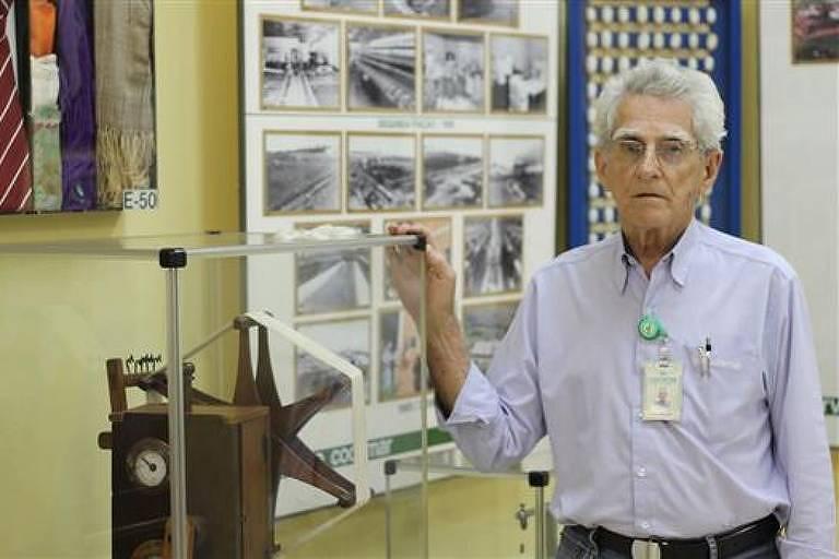 Reynaldo Costa no arquivo da Cocamar, projeto que manteve até depois de aposentado