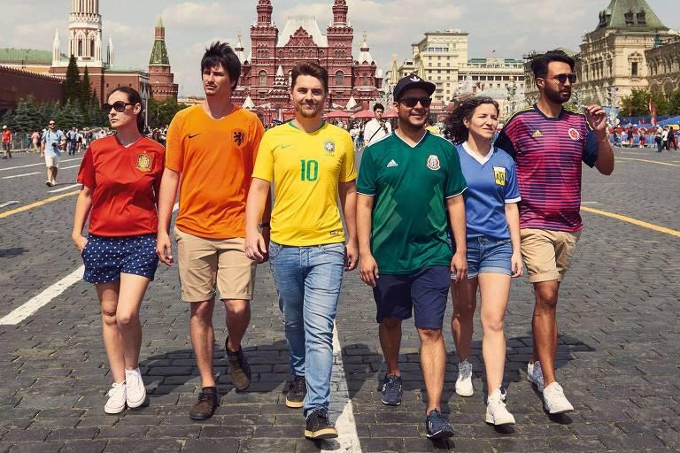 Dispostos em ordem, os uniformes da Espanha, Holanda, Brasil, México, Argentina e Colômbia formavam a bandeira do arco-íris. O projeto se chama The Hidden Flag