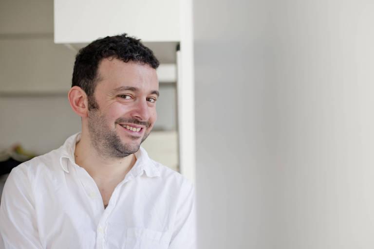 O escritor britânico Alex Bellos