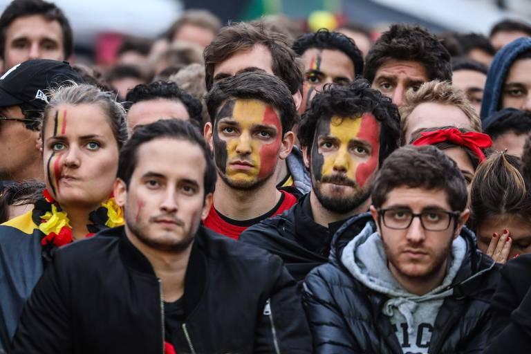 Torcedores da Bélgica lamentam desclassificação