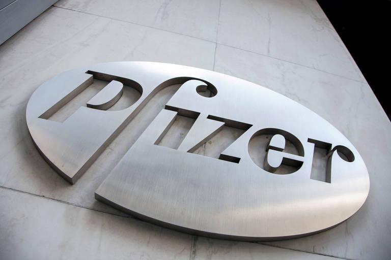 Logo da Pfizer em Nova York