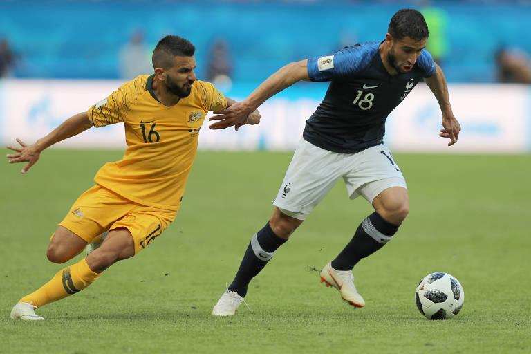 No primeiro jogo, contra a Austrália, vencido por 2 a 1, os Bleus usaram camisa azul, calção branco e meias azuis