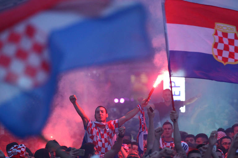 Croatas celebram vitória em Zagreb
