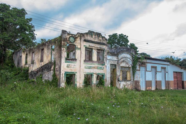 Casas em ruínas em Ihéus