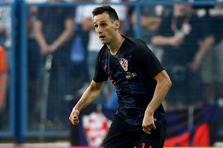 Nikola Kalinic em ação pela Croácia em amistoso contra Senegal pouco antes da Copa do Mundo