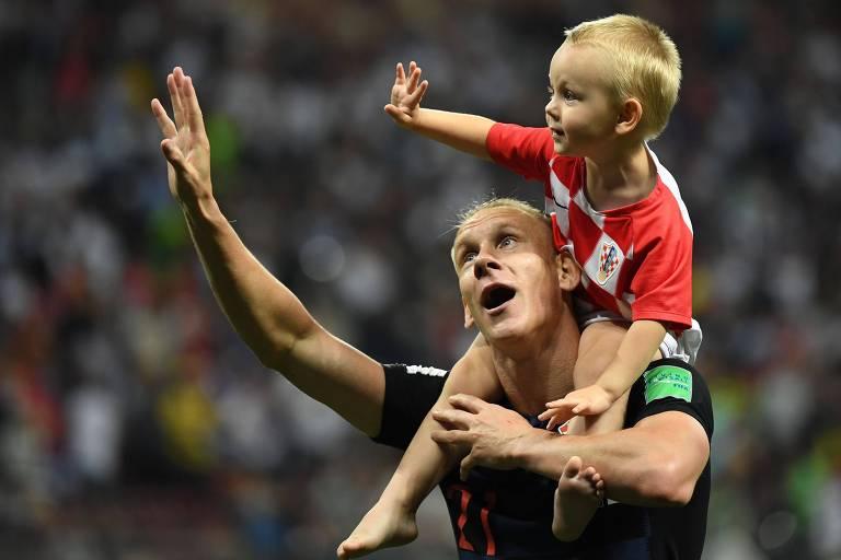 Crianças nos estádios da Rússia
