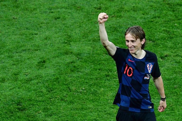 Modric comemora a vitória croata sobre a Inglaterra, que levou a seleção à final