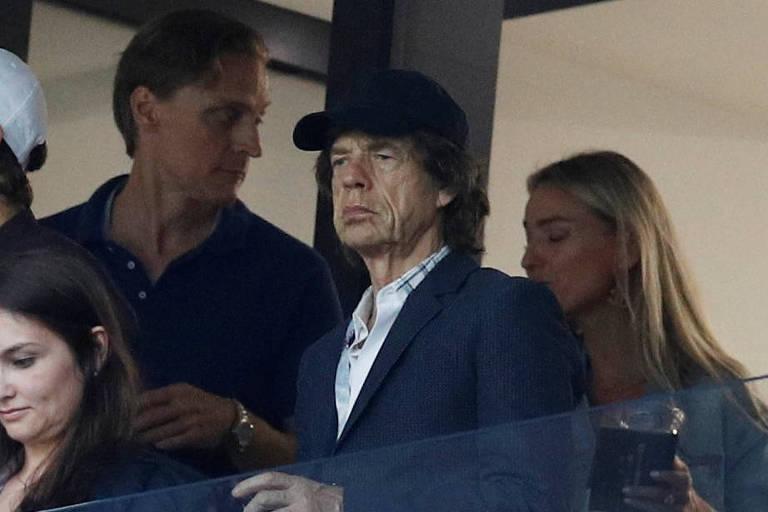 Mick Jagger na arquibancada do jogo da Inglaterra contra a Croácia