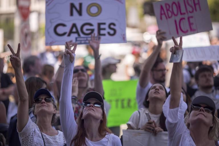 Protesto em Los Angeles contra a detenção de imigrantes ilegais