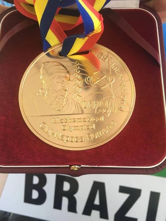 Brasileiro leva medalha de ouro na Olimpíada Internacional de Matemática