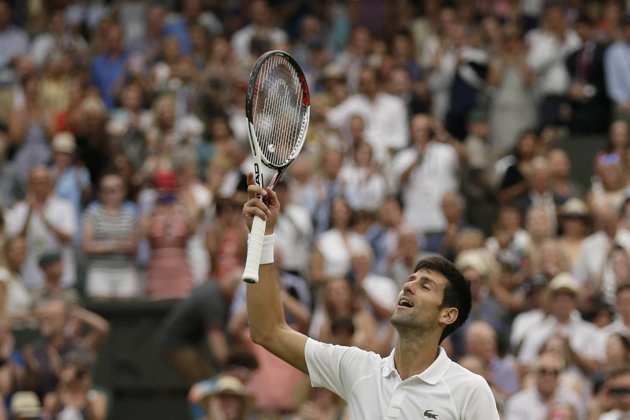 00bb3b9f94e Djokovic vence Nadal por 3 sets a 2 e vai à final em Wimbledon - 14 07 2018  - Esporte - Folha