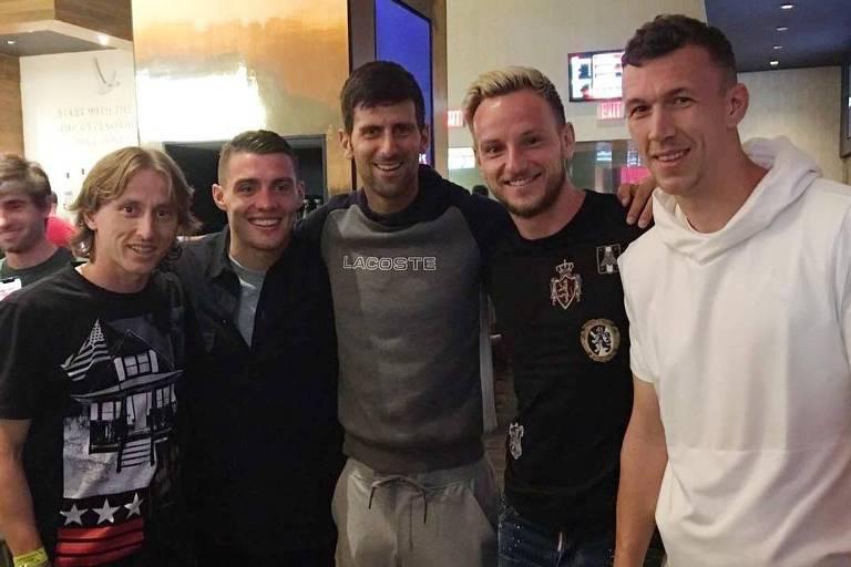 O tenista sérvio Novak Djokovic postou em seu Instagram uma foto com os  jogadores croatas Modric e6fe3ae26b0d9