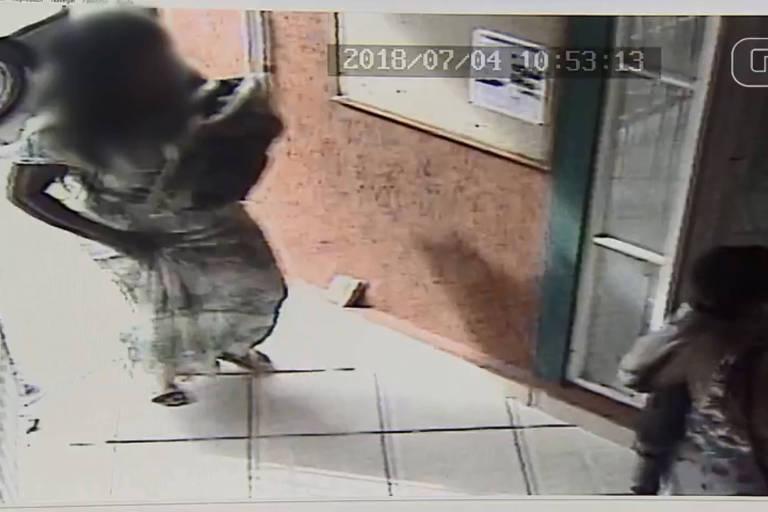 Vídeo de câmera de segurança mostra momento em que mulher chega a cartório para tentar registrar bebê
