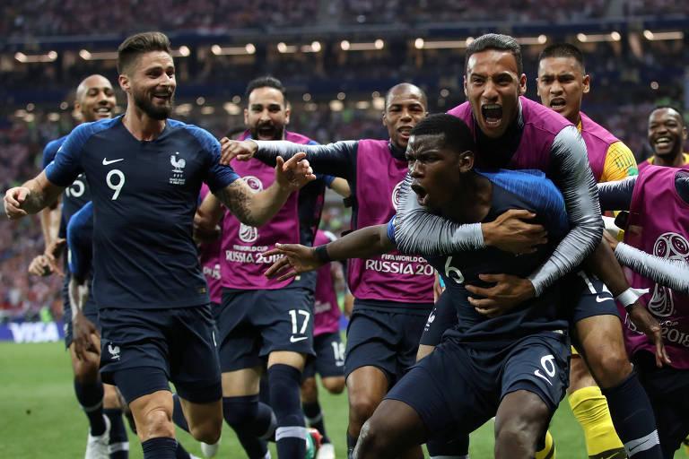 Paul Pogba comemora após marcar o terceiro gol francês contra a Croácia na final da Copa do Mundo