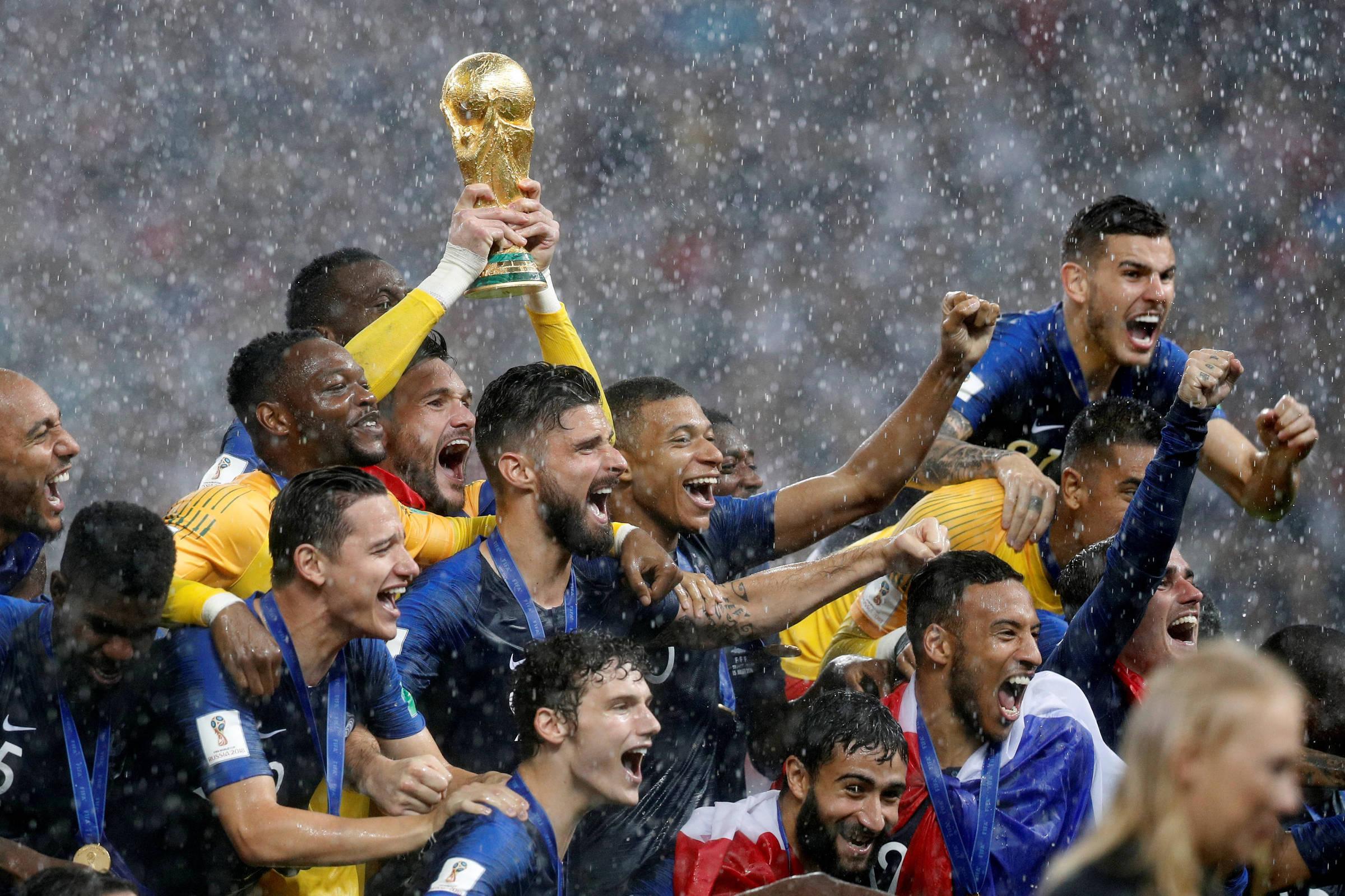 Título mundial da França confirma competência de geração promissora - 16 07  2018 - Esporte - Folha e8de481f3ffab
