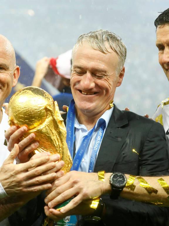 Deschamps se iguala a Zagallo e Beckenbauer