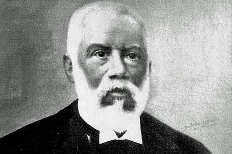 Almeida fazia parte de um pequeno grupo de mestiços de origem africana que conseguiram ascender financeira e socialmente