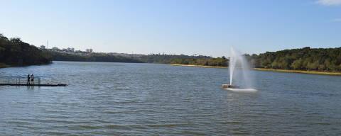 Lago municipal de Cascavel (PR) fica vazio neste domingo (15); parte do parque está fechada pela presença de onças-pardas