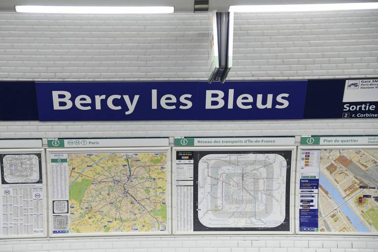 Campeões mundiais homenageados nas placas do metrô de Paris
