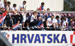 Vice na Copa, seleção croata é recebida com festa em Zagreb