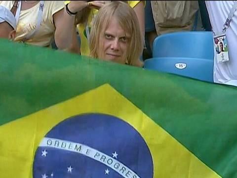 O torcedor russo Yury Torsky na torcida do Brasil em jogo contra o México