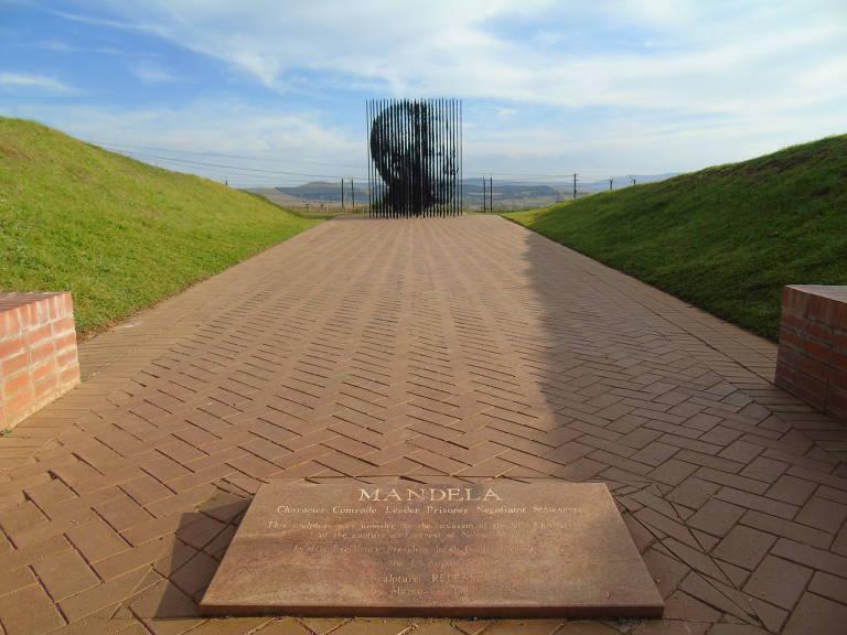 Atrações na África do Sul relembram Nelson Mandela, que faria cem anos nesta quarta (18)
