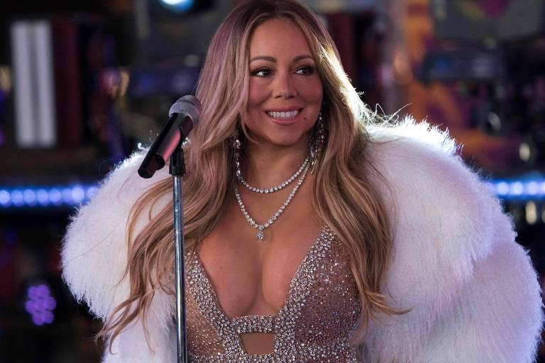 Mariah Carey durante apresentação na festa de Virada do Ano em Times Square, em Nova York