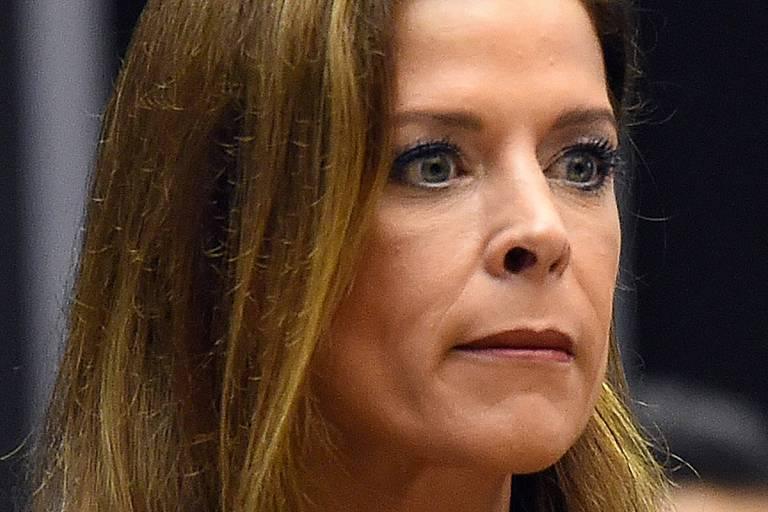 Tribunal revê decisão de Moro e condena mulher de Cunha por evasão de divisas
