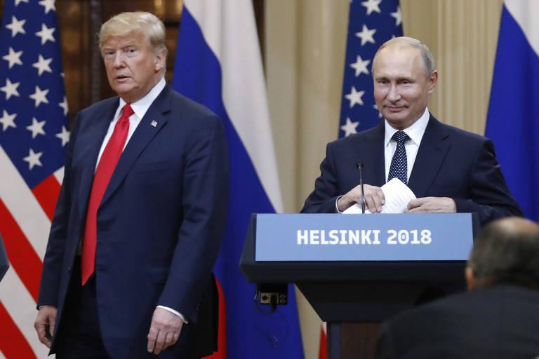 O presidente dos EUA, Donald Trump, com o russo Vladimir Putin após reunião bilateral em Helsinque, na Finlândia