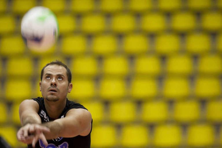 Ricardinho foi cortado da seleção em 2007 e retornou em 2012 para ganhar outra medalha olímpica