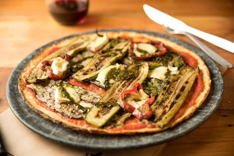 Redonda com pegada saudável da nova Itzza traz verduras, queijo brie e pesto de manjericão