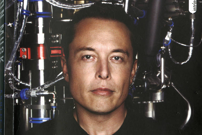 Foto do empresário Elon Musk em capa do livro
