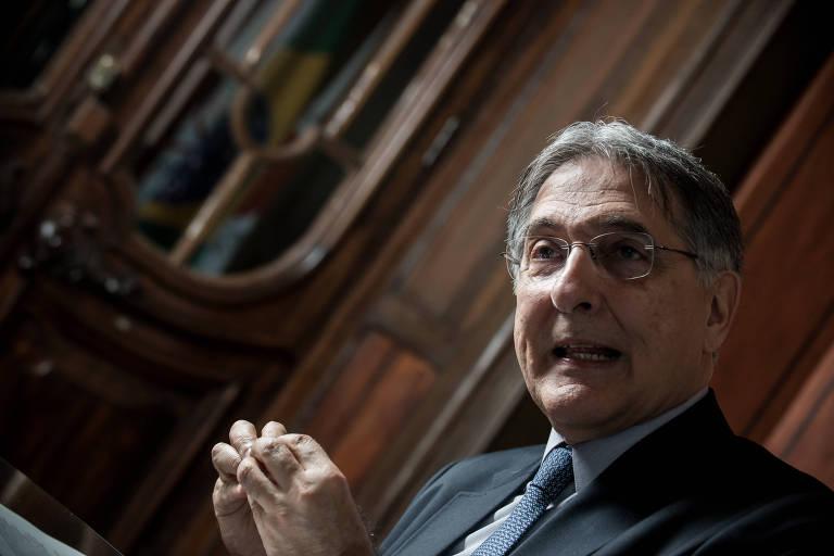 O governador de Minas Gerais, Fernando Pimentel (PT), durante entrevista no Palácio da Liberdade, em Belo Horizonte