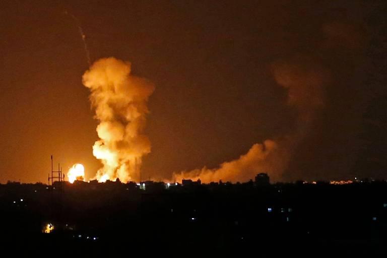 Explosão no sul de Gaza após bombardeio de Israel