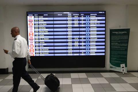Pane em voos em 24 h equivale a 1/3 do impacto de greve de caminhoneiro