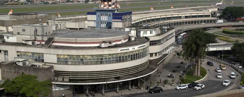 SÃO PAULO, SP. 10.11.2015: Vista geral da fachada do aeroporto de Congonhas, zona sul da capital paulista. (foto: Rubens Chaves/Folhapress)