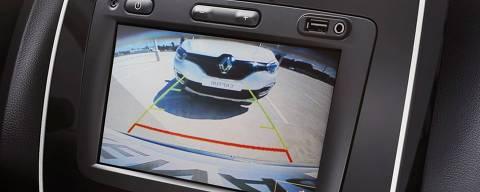 Visor da câmera de ré do compacto Renault Kwid