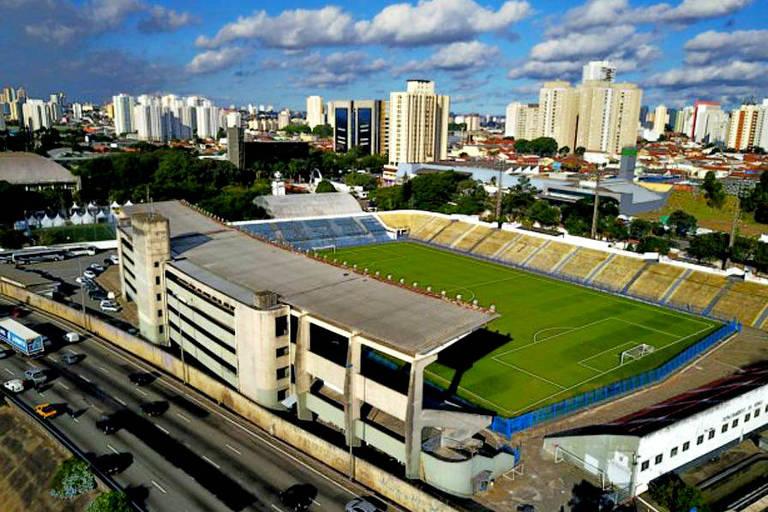 Estádio no Parque São Jorge, conhecido como Fazendinha, na zona leste de São Paulo