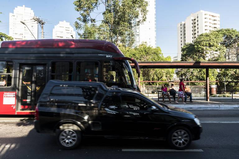 Corredores de ônibus em SP
