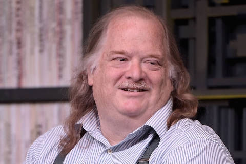 (FILES) In this file photo taken on January 28, 2015 food critic Jonathan Gold speaks at Cinema Cafe during the 2015 Sundance Film Festival in Park City, Utah.   