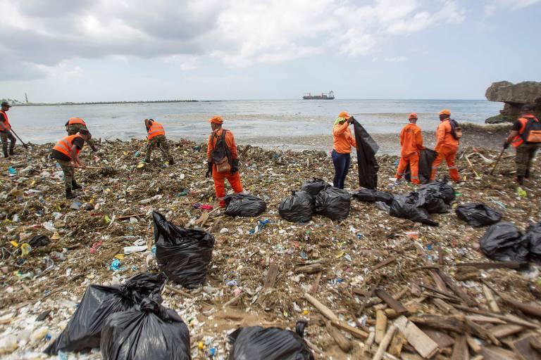 Mar de lixo na República Dominicana