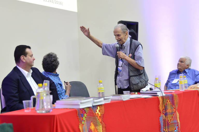O físico e ex-presidente da SBPC Sérgio Mascarenhas faz críticas aos cortes na ciência ao ministro do MCTIC Gilberto Kassab