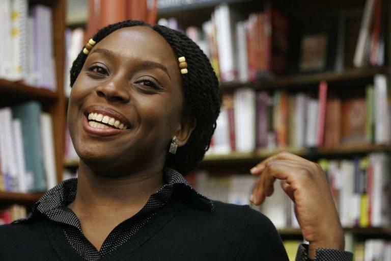 A escritora nigeriana Chimamanda Ngozi Adichie