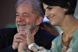 O ex-presidente Lula e Manuela D'Ávila durante o Congresso Nacional do PC do B