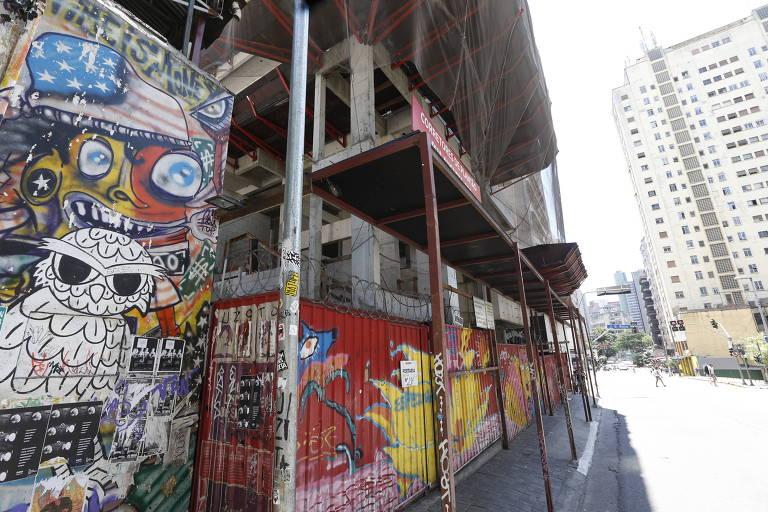 Obra parada no centro de São Paulo