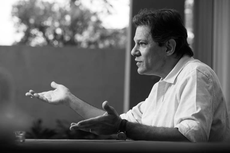 O ex-prefeito Fernando Haddad, coordenador do programa de governo do PT, durante entrevista à Folha