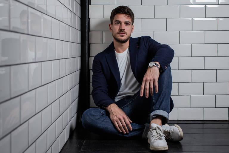 Retrato do ator Marco Pigossi