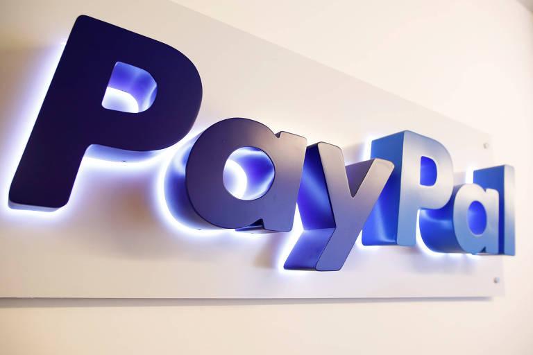 Logo azul do Paypal sobre fundo branco