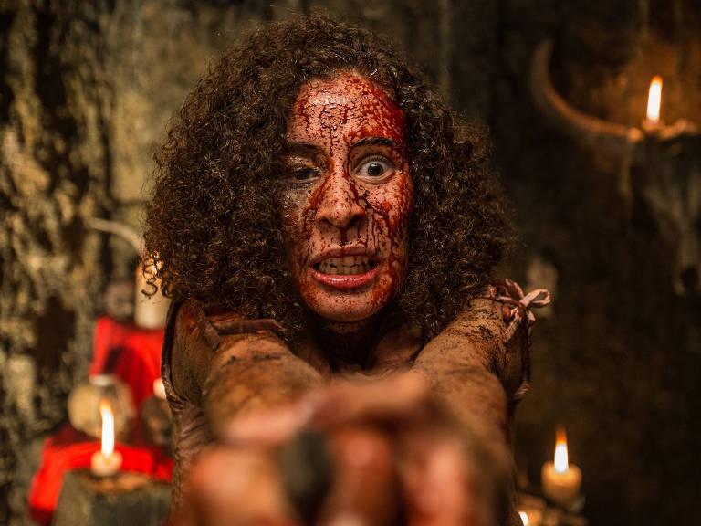 Cena do Filma 'A Mata Negra', de Rodrigo Aragão